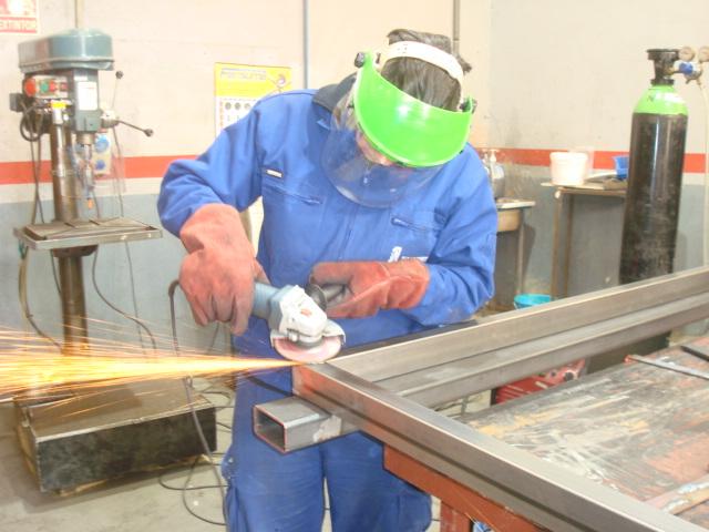 Especialidad de soldadura y montaje de estructuras metálicas