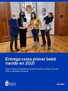 Ejea Comercio premia al primer bebé nacido en Ejea de los Caballeros en 2021